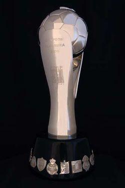 El trofeo para el campeón del futbol mexicano