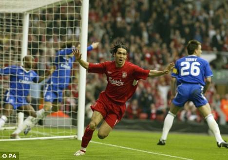 Luis García vio el balón adentro ante Chelsea y se arrancó a festejar