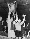 Ajax ganó la primera Orejona del tricampeonato en Wembley